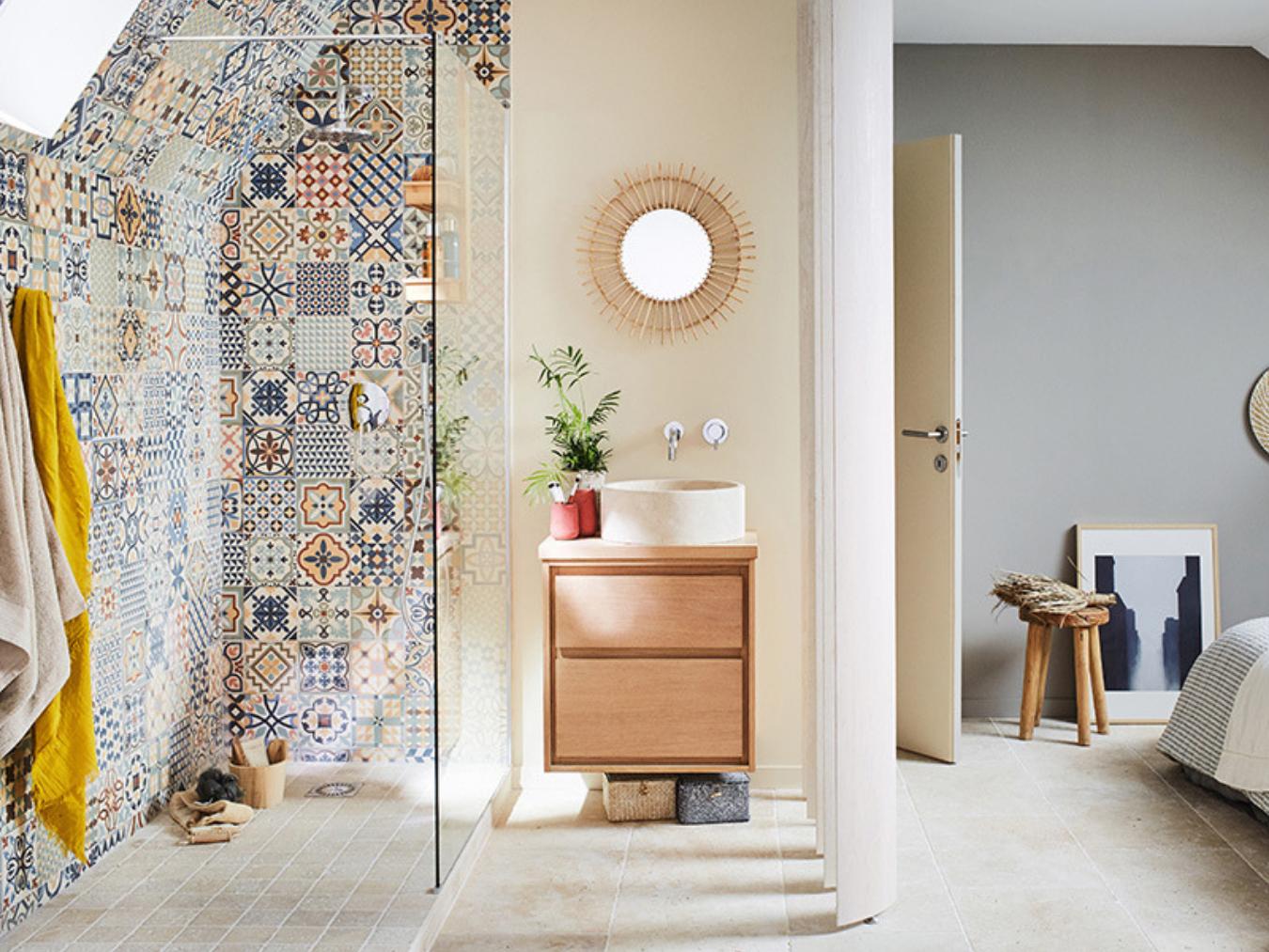 Carreaux de ciment dans la salle de bain : 16 idées inspirantes