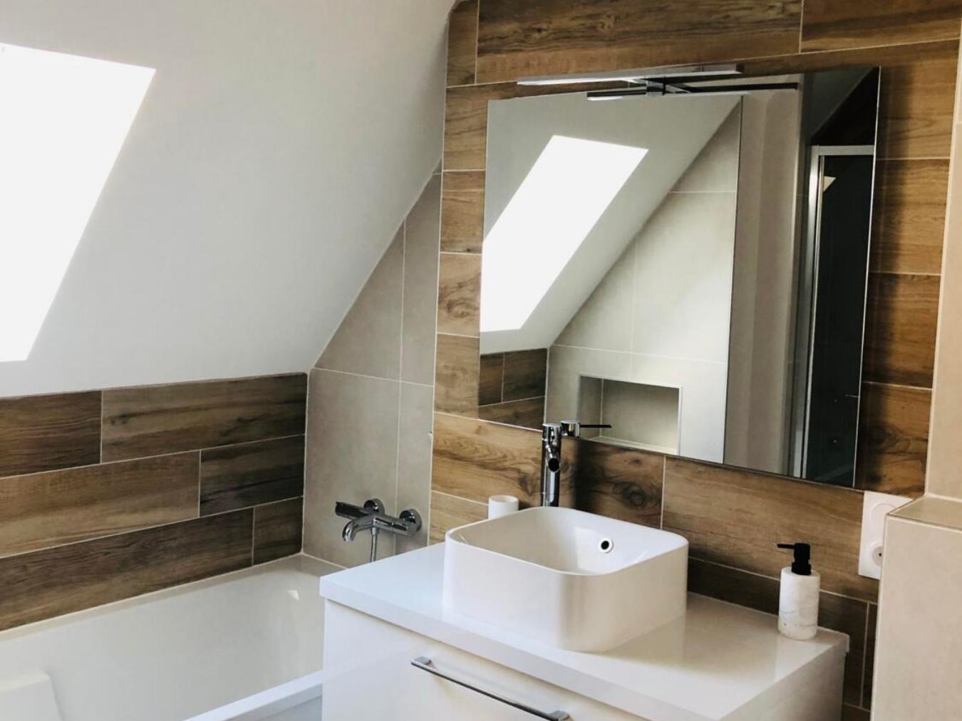 Salle D Eau Parentale le bois dans la salle de bain : 30 idées pour vous inspirer