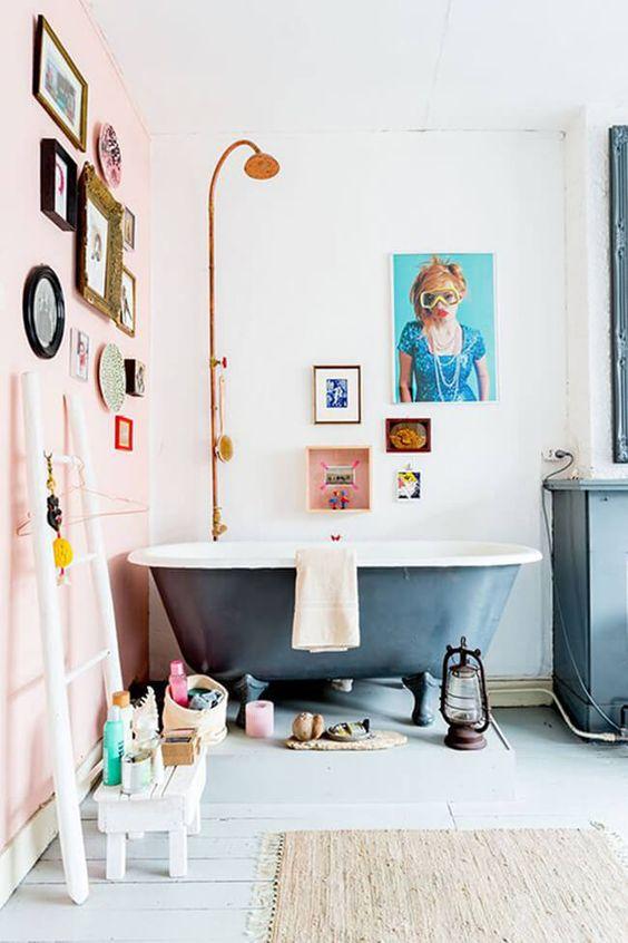 baignoire salle de bain colorée